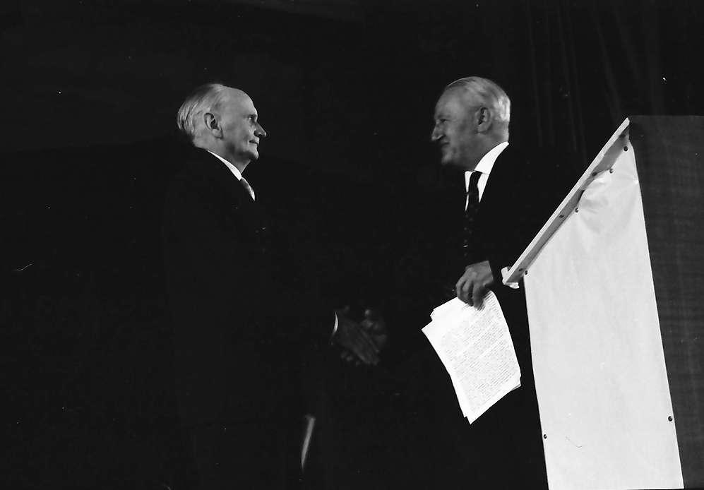 Hausen im Wiesental: Kultusminister Dr. Storz überreicht den Hebelpreis, Bild 1