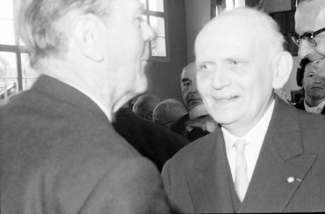 Hausen im Wiesental: Prof. Dr. Minder und Kultusminister Dr. Storz, Bild 1