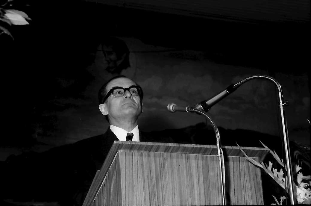 Hausen: Ministerialdirektor Dr. Steinle, Hebelpreis für Kurt Marti, Hebelpreisträger 1972, Bern, Bild 1