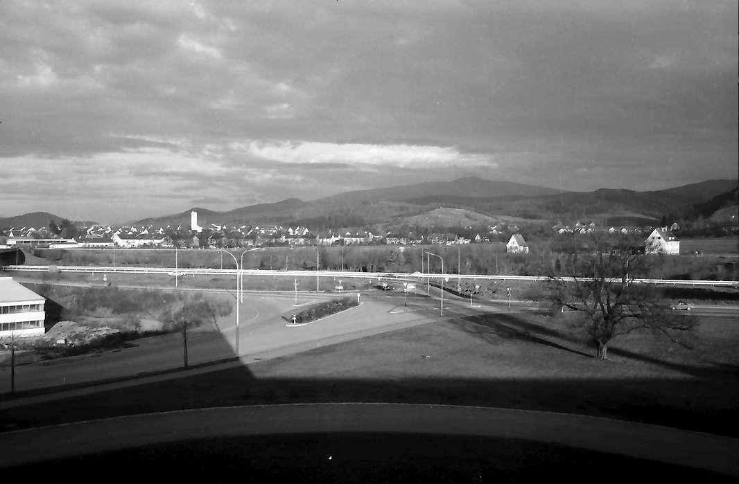 Freiburg: Blick von der Gödecke AG auf Gundelfingen und Kandel bei Abendbeleuchtung, Bild 1