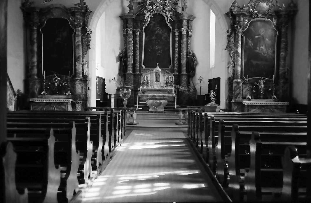 Freiburg, Lehen: Kirche von innen, Bild 1