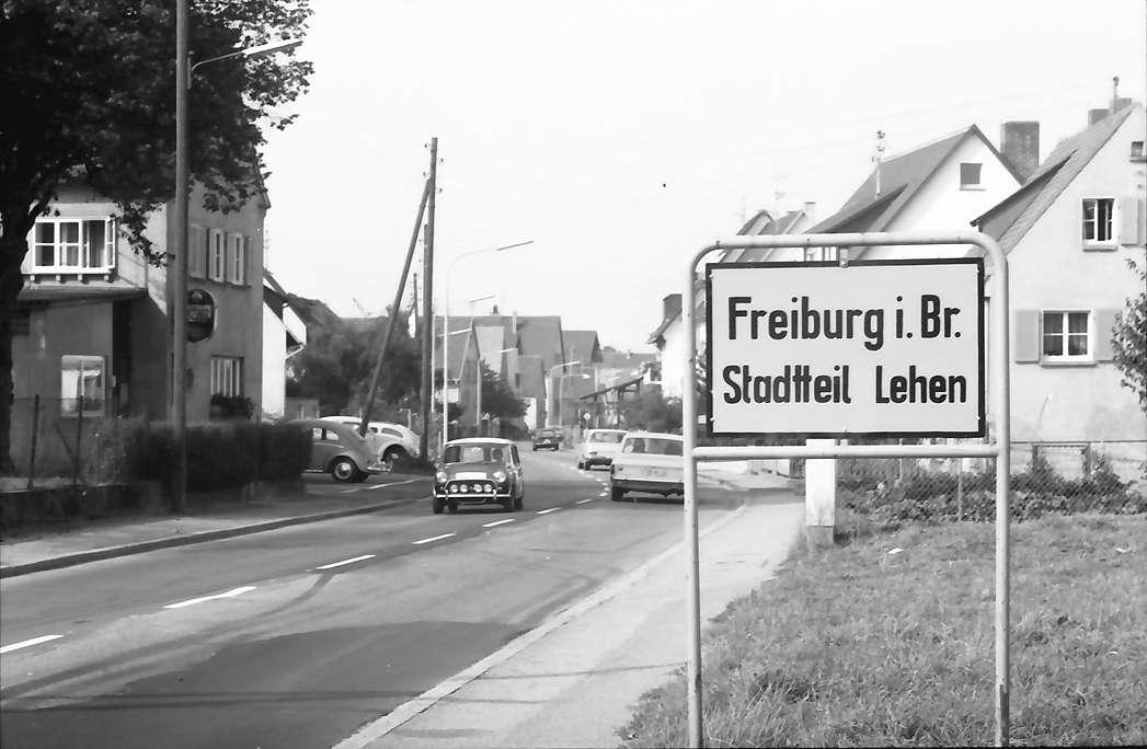 Freiburg, Lehen: Schild - Freiburg i.Br., Stadtteil Lehen, Bild 1