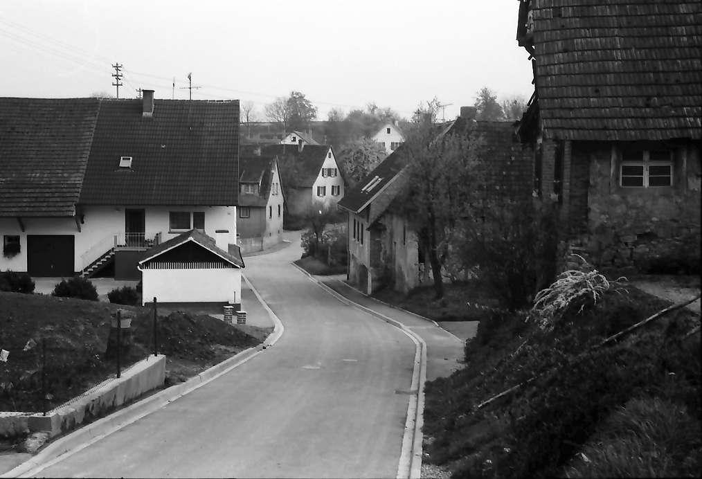 Freiburg, Waltershofen: Dorfstraße, Bild 1