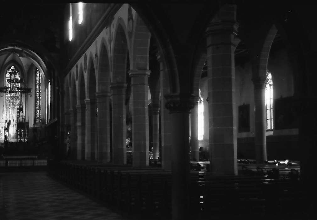 Ravensburg: Liebfrauenkirche, Blick ins Längsschiff, Bild 1