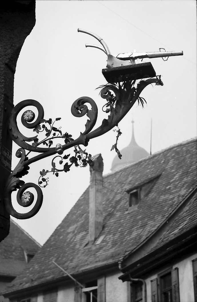 """Biberach: Aushängeschild, """"Goldener Pflug"""", Bild 1"""