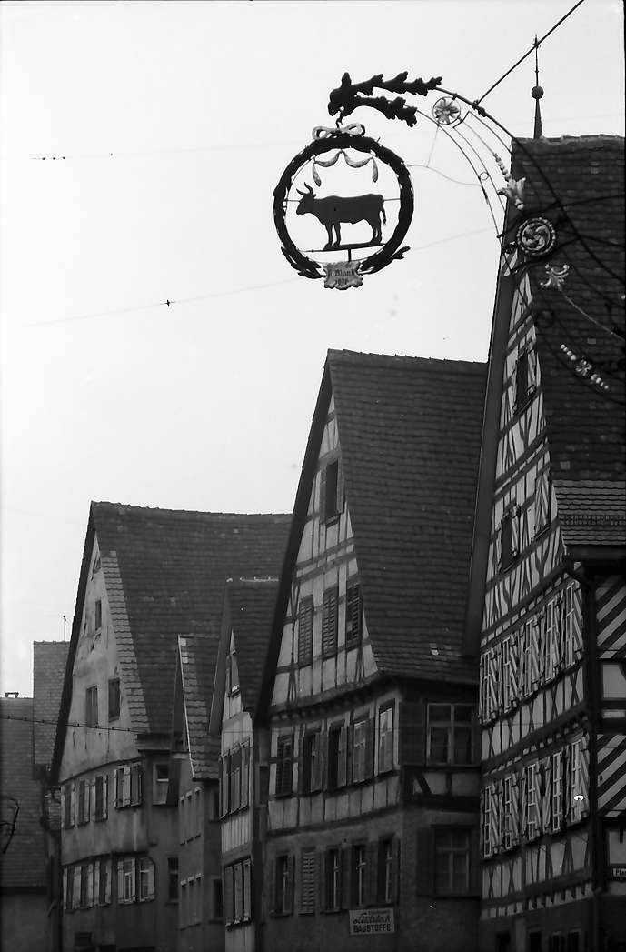 """Mengen: Fachwerkhäuser und Aushängeschild """"Ochsen"""", Bild 1"""