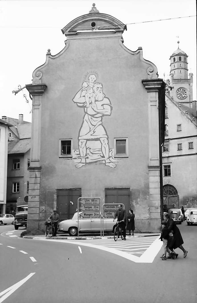 Ravensburg: Ehemaliges Kornhaus mit Bild und Straßenwegweiser, Bild 1