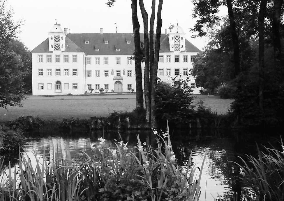 Kißlegg: Schloss (Berufsschule) vom Park aus, Bild 1