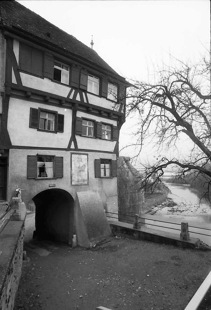 Riedlingen: Fachwerkbau an der Donau, vor Sanierung, Bild 1