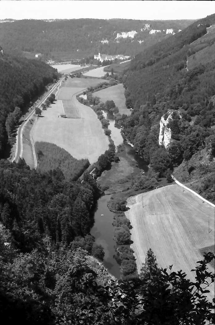 Beuron: Aussichtspunkt, Panorama Donautal mit Beuron, Bild 1