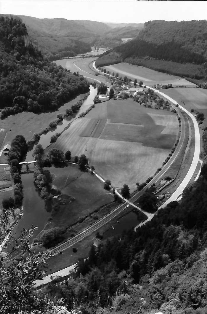 Werenwag: Donautal, Blick von oben Richtung Westen, von der Burg, Bild 1