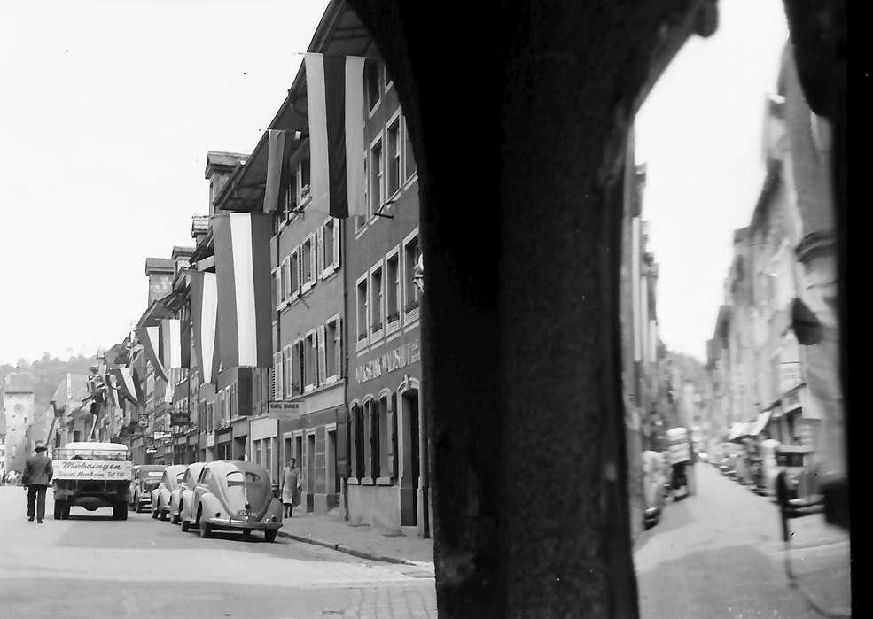 Waldshut: Blick durch Tor in die Hauptstraße, Bild 1