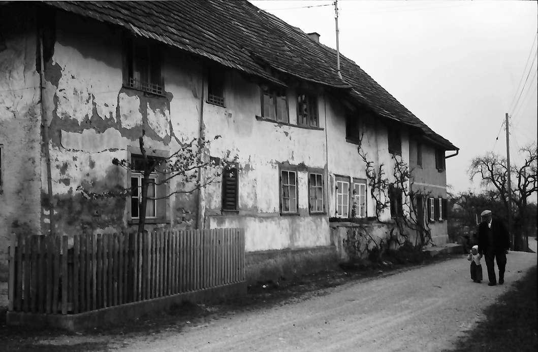 Büsingen: Alte Häuser am Rhein, Bild 1