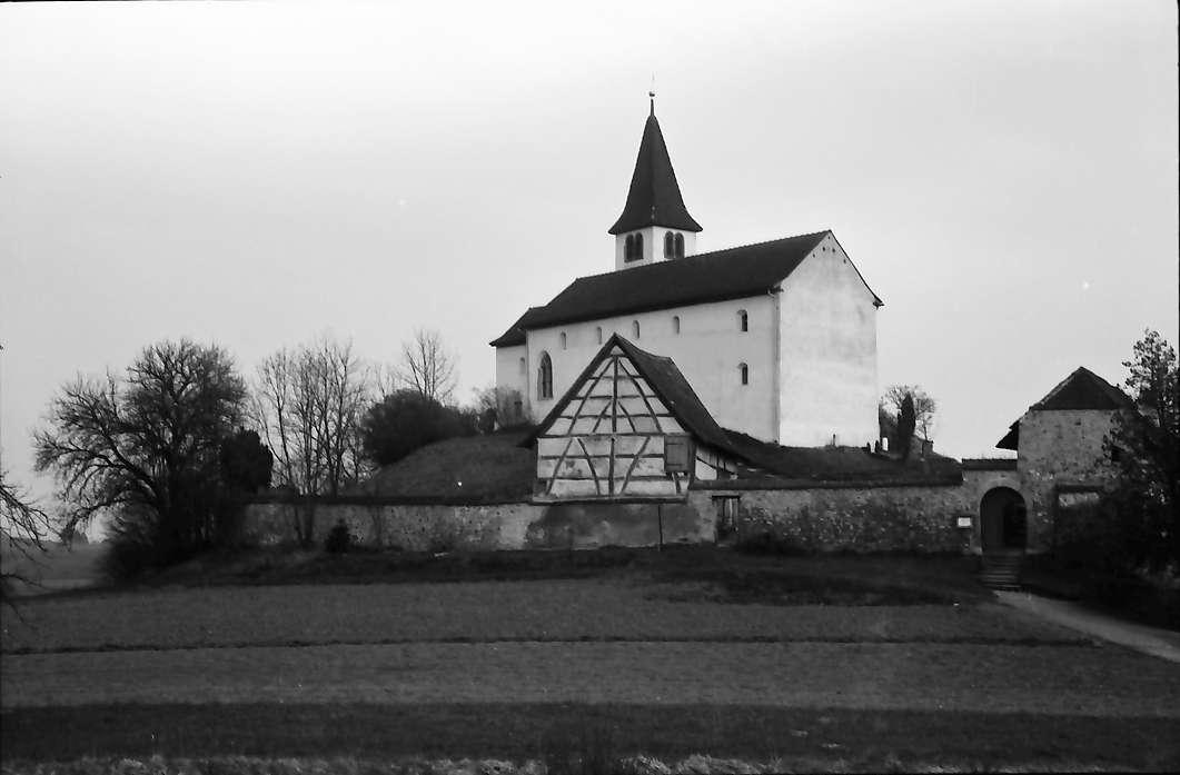 Büsingen: Kirche, näher, Bild 1