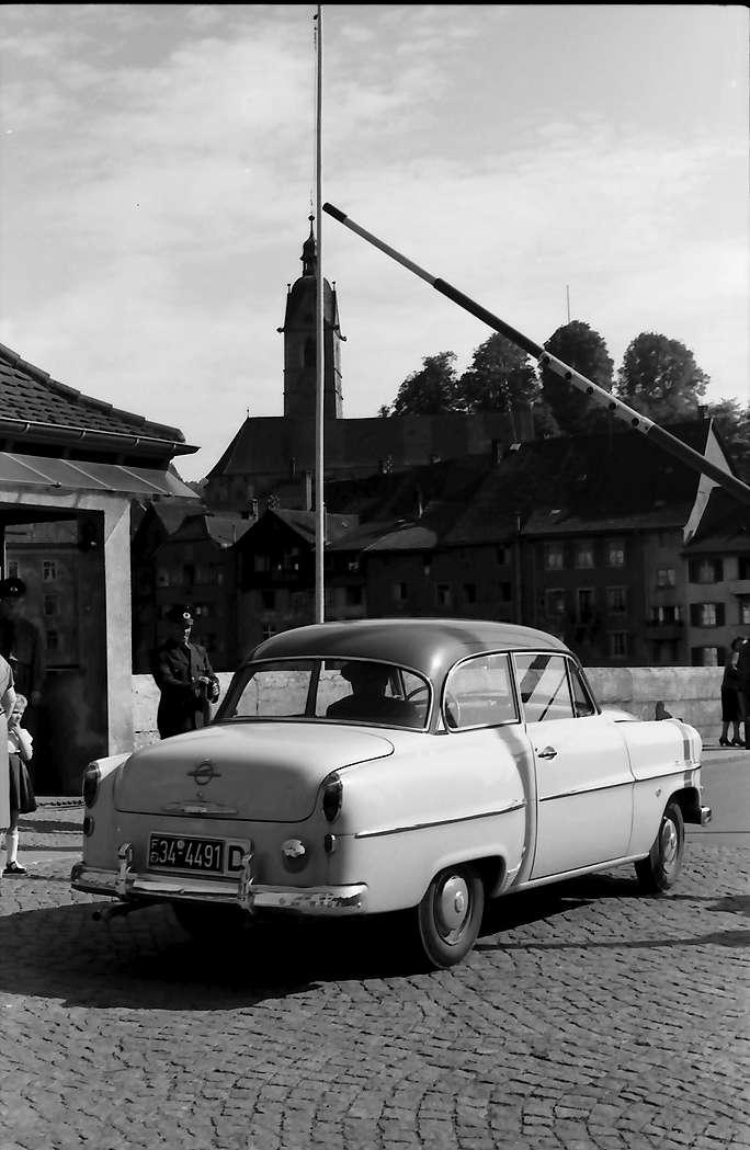 Laufenburg: Deutscher Zoll mit Wagen, Bild 1