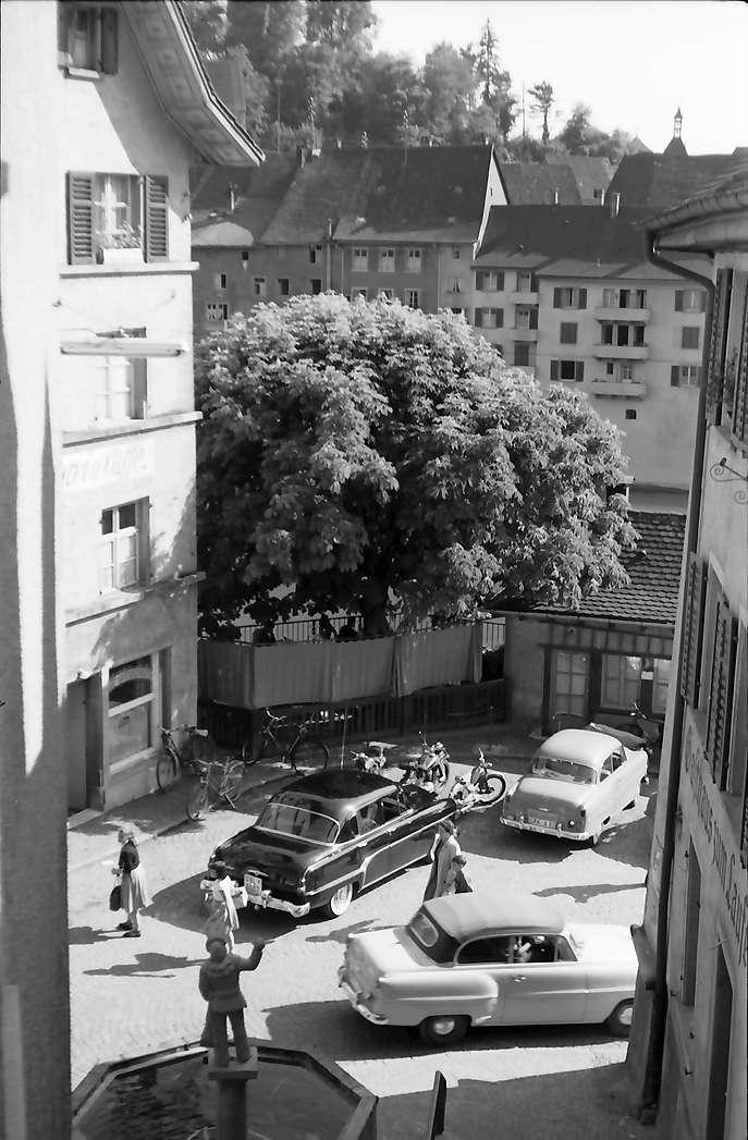 Laufenburg: Blick von oben auf deutschen Zollplatz, Bild 1