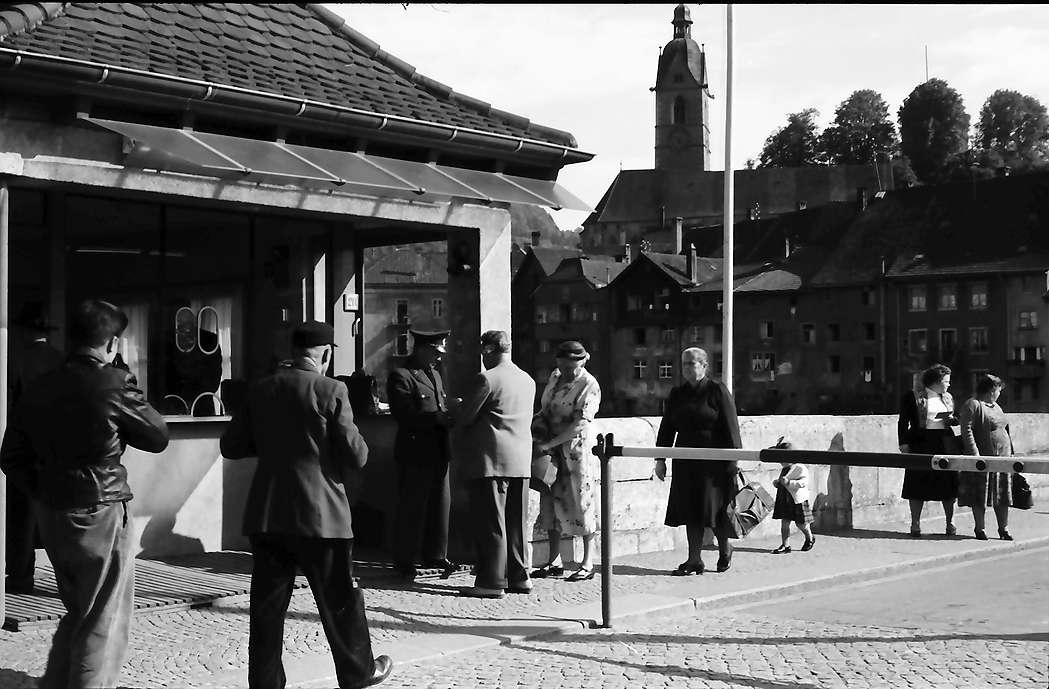 Laufenburg: Deutscher Zoll, Übergang mit Passstelle, Bild 1