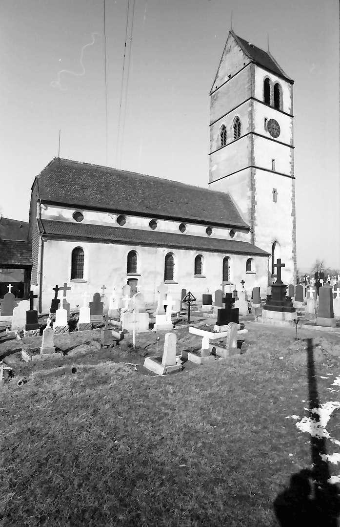 Hochsal: Alte Hotzenkirche, Vordergrund Friedhof, Bild 1