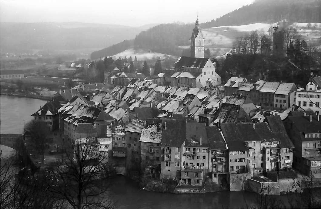 Laufenburg: Blick auf Schweizer Laufenburg mit verschneiten Dächern, Bild 1