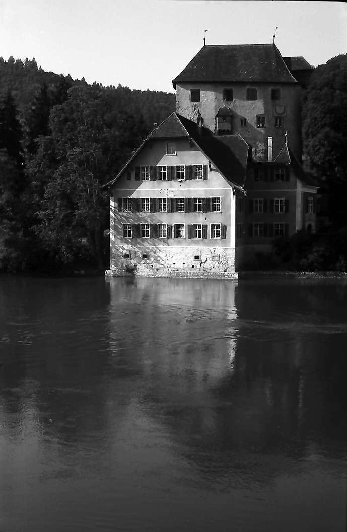 Hohentengen: Schloss Rötteln (auch Rotwasserstelz) mit Rhein bei Hohentengen, Bild 1