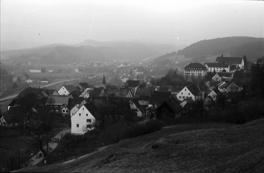 Stühlingen: Blick von der Höhe über den Ort ins Wutachtal, von höher, Bild 1