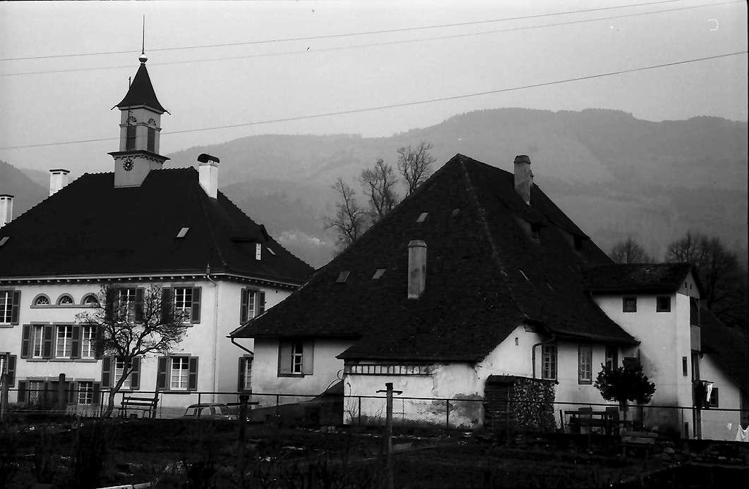 Wehr: Wohnhaus und alter Hof, Bild 1