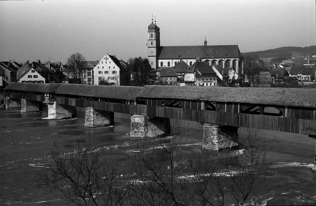 Stein/Säckingen: Alte Holzbrücke und Fridolinsmünster, Bild 1
