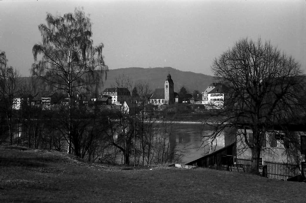 Rheinfelden: Blick über den Rhein auf Rheinfelden (Deutschland), näher, Bild 1
