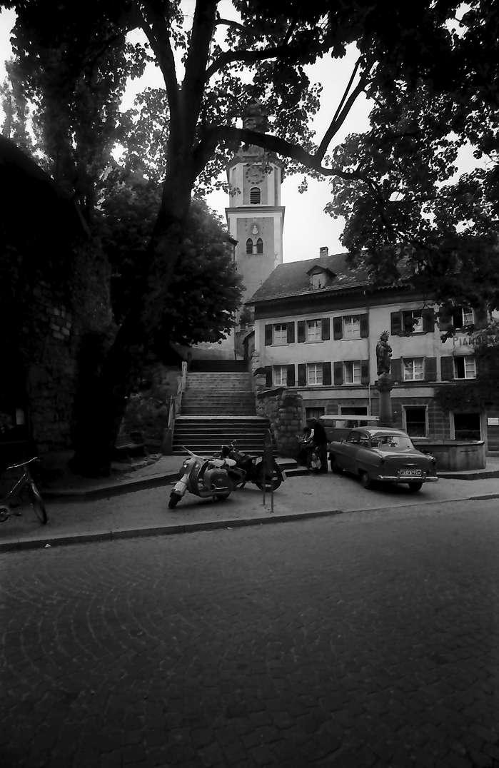 Tiengen: Aufgang zur Kirche, Bild 1