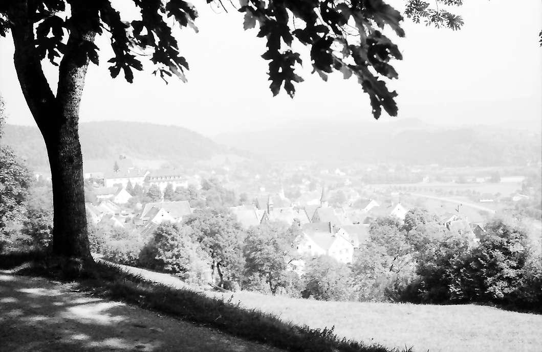 Stühlingen: Blick über die obere Straße auf Stühlingen, Bild 1