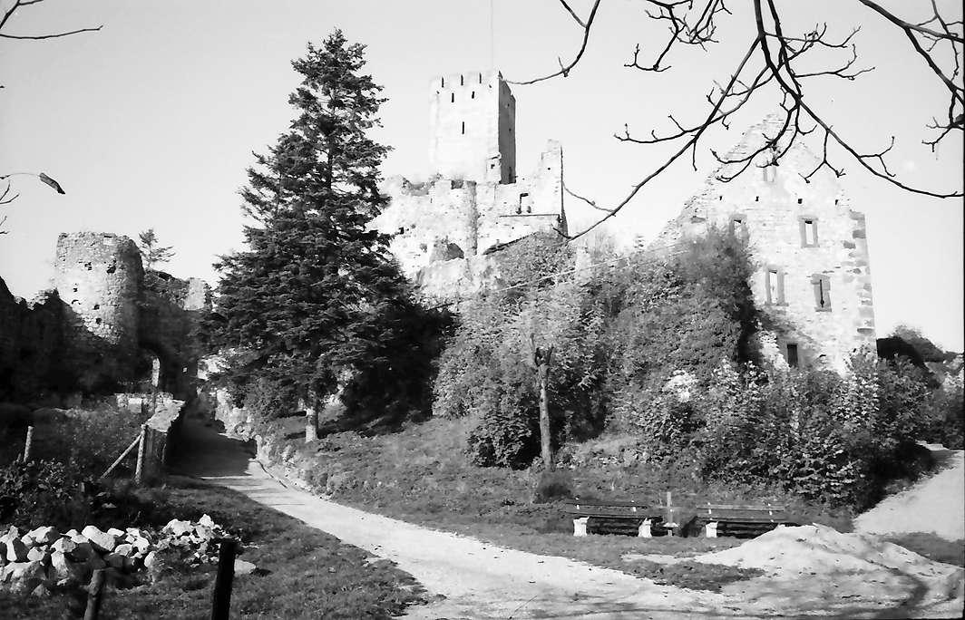 Rötteln: Burgruine, Burgaufgang, Bild 1