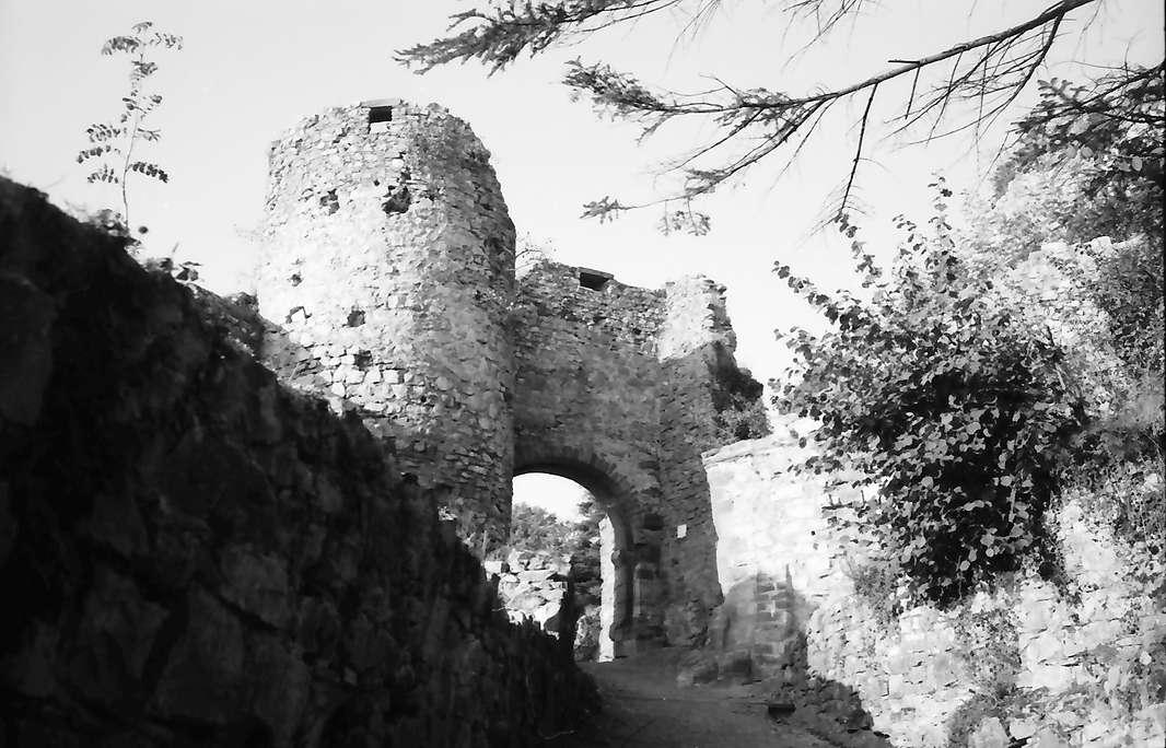 Rötteln: Burgruine, Burgtor, Bild 1