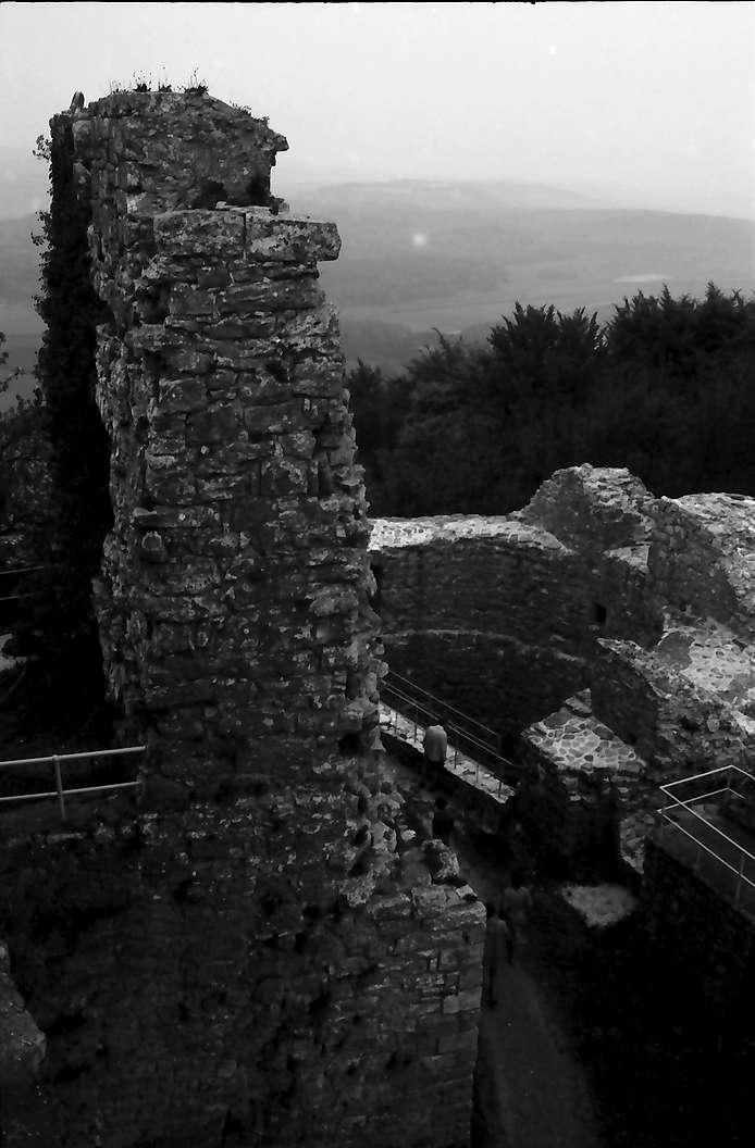 Küssaburg: Eckpfeiler der Burgmauer, Bild 1