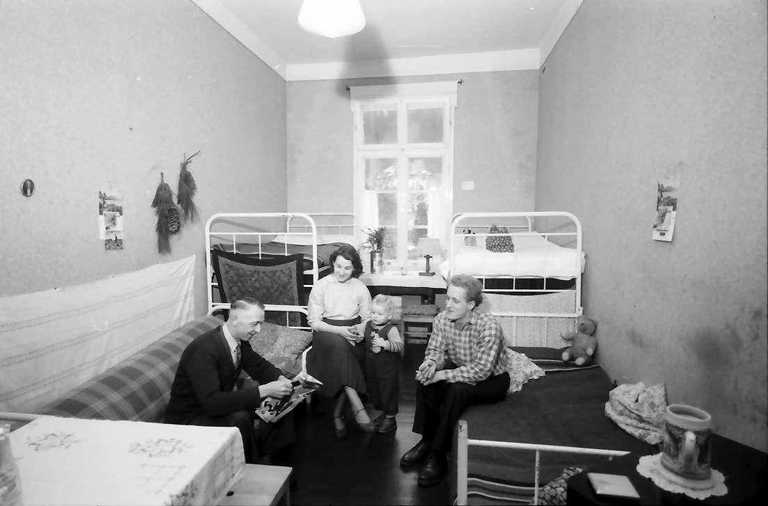 St. Blasien: Flüchtlingslager, Zimmer einer Flüchtlingsfamilie, Bild 1
