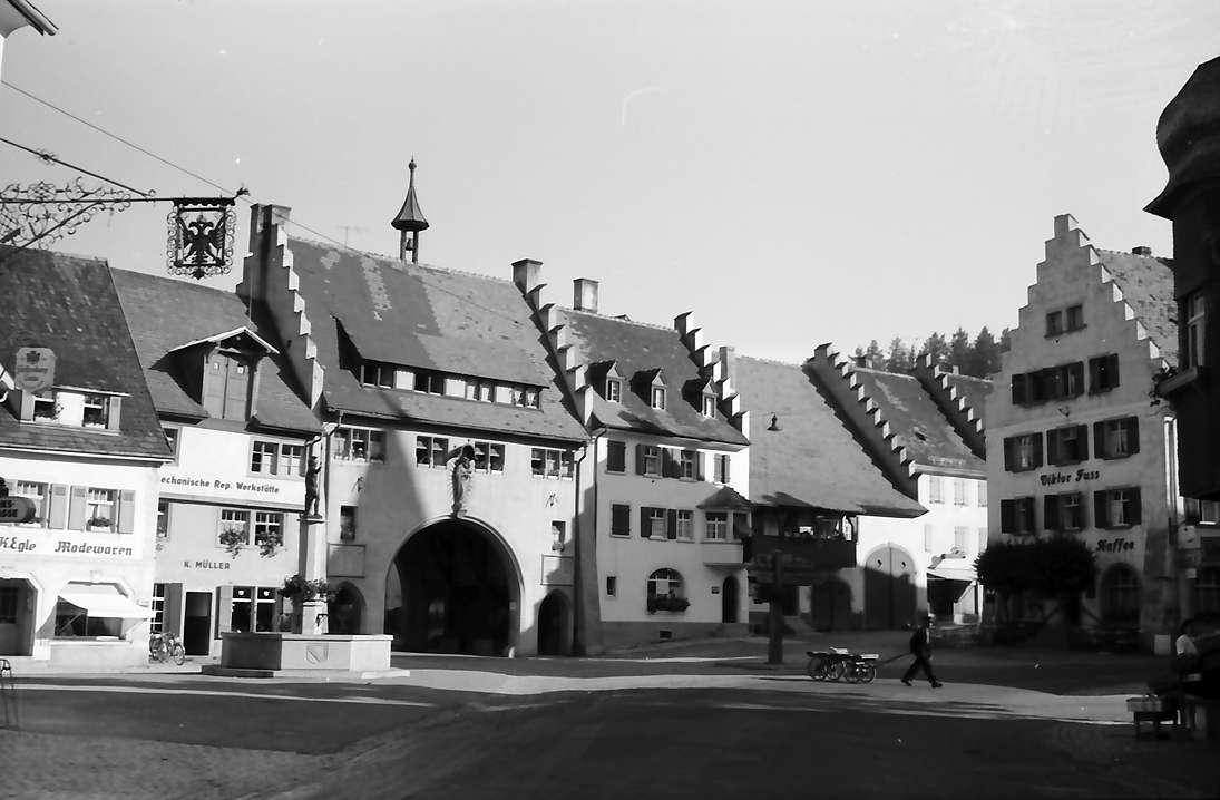 Löffingen: Marktplatz und Tor, Bild 1