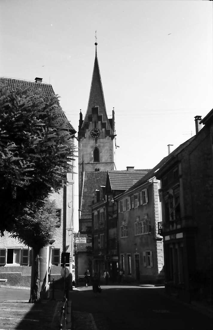 Engen: Straße mit Kirche, Bild 1