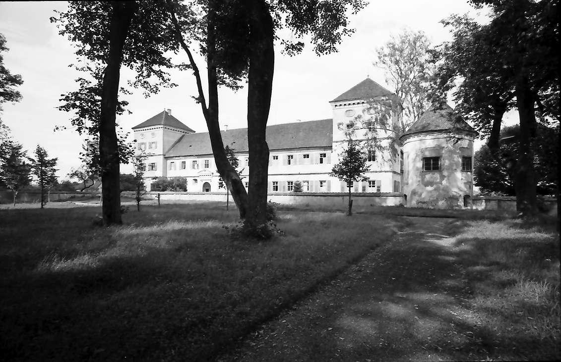 Meßkirch: Schloss vom Park aus gesehen, Bild 1