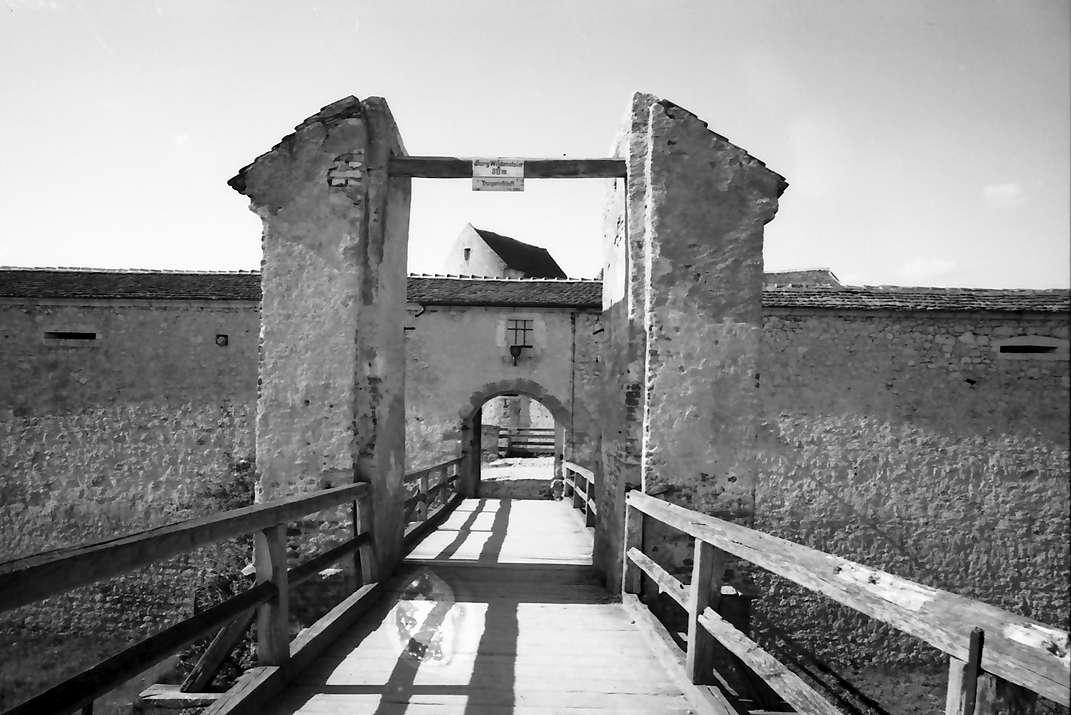 Wildenstein: Zugbrücke [Burg] Wildenstein, von außen, Bild 1