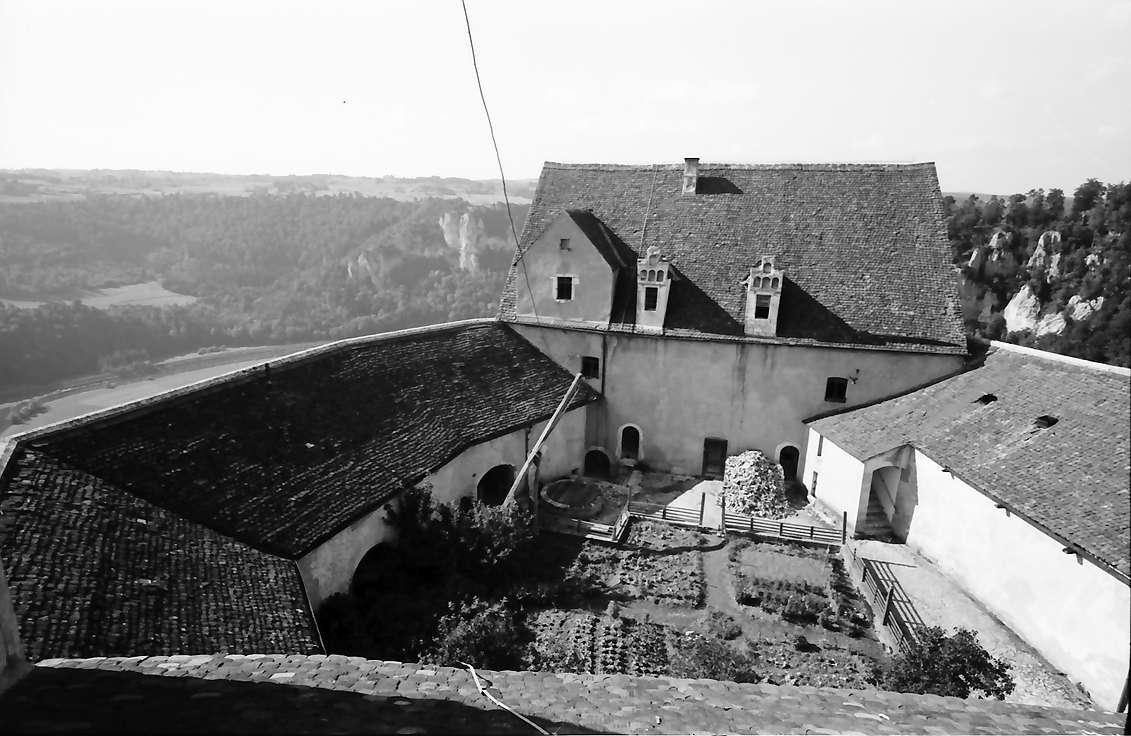 Wildenstein: [Burg] Wildenstein (Hof von oben), Bild 1