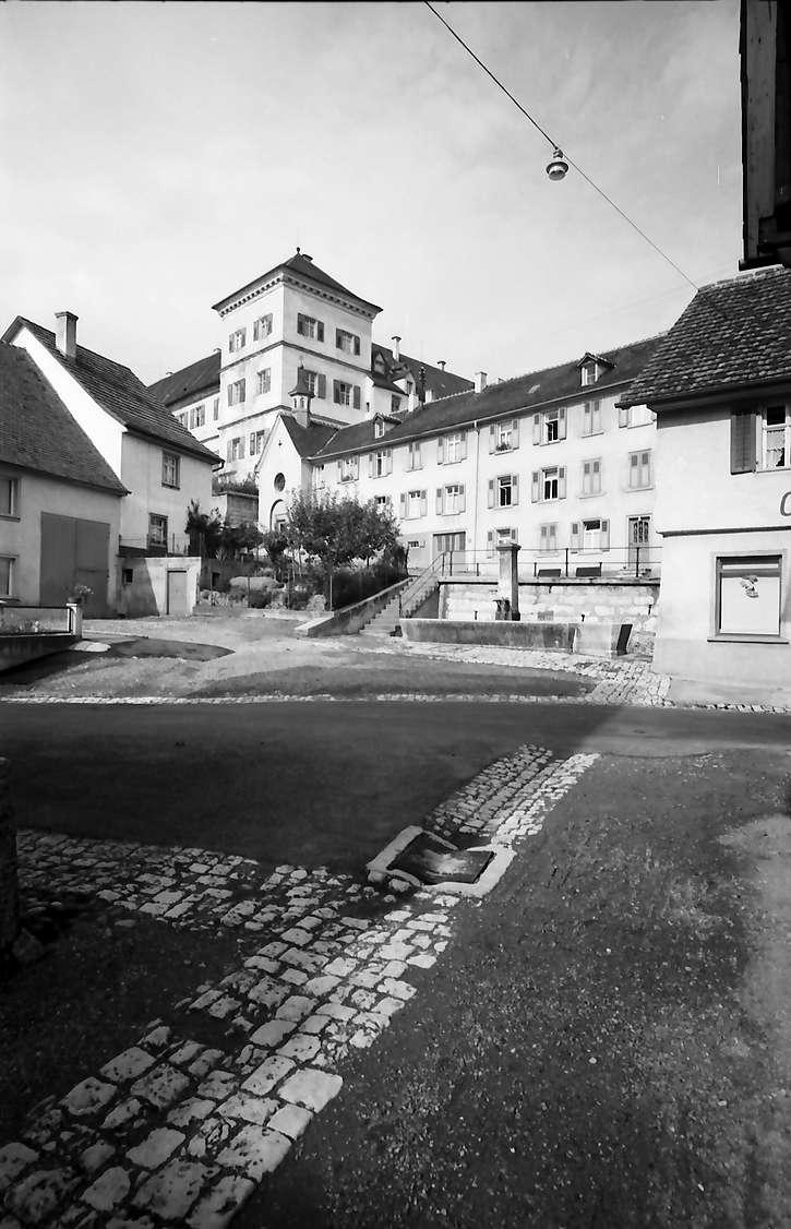 Meßkirch: Altstadtgasse mit Bach zum Schloss, Bild 1