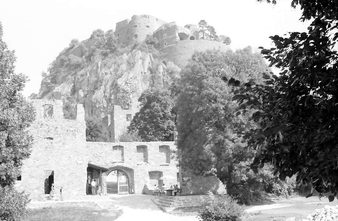 Singen: Hohentwiel, Eingang zur Burg, Bild 1