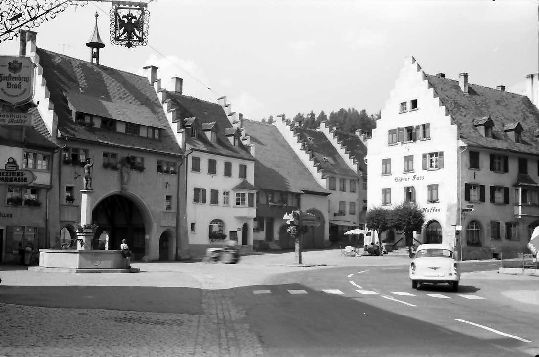 Löffingen: Giebelhäuser mit Mailänder Tor, Bild 1
