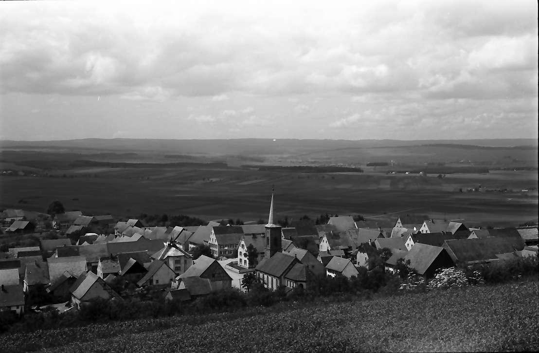 Fürstenberg: Blick vom Füstenberg auf den Ort, Bild 1