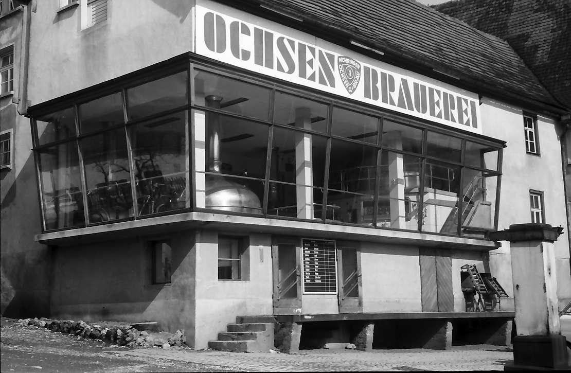 Möhringen: Fenster der Ochsenbrauerei, Bild 1