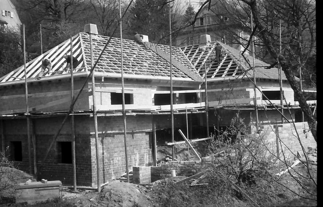 Freiburg, Günterstal: Haus Rehhagweg 8, Villa gegenüber dem Garten im Bau, Bild 1