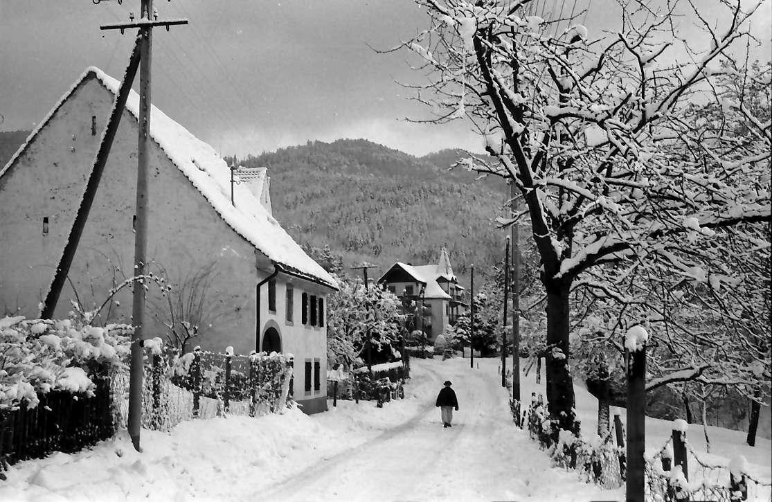 Freiburg, Günterstal: Günterstal im Schnee, Dorfstraße, Bild 1