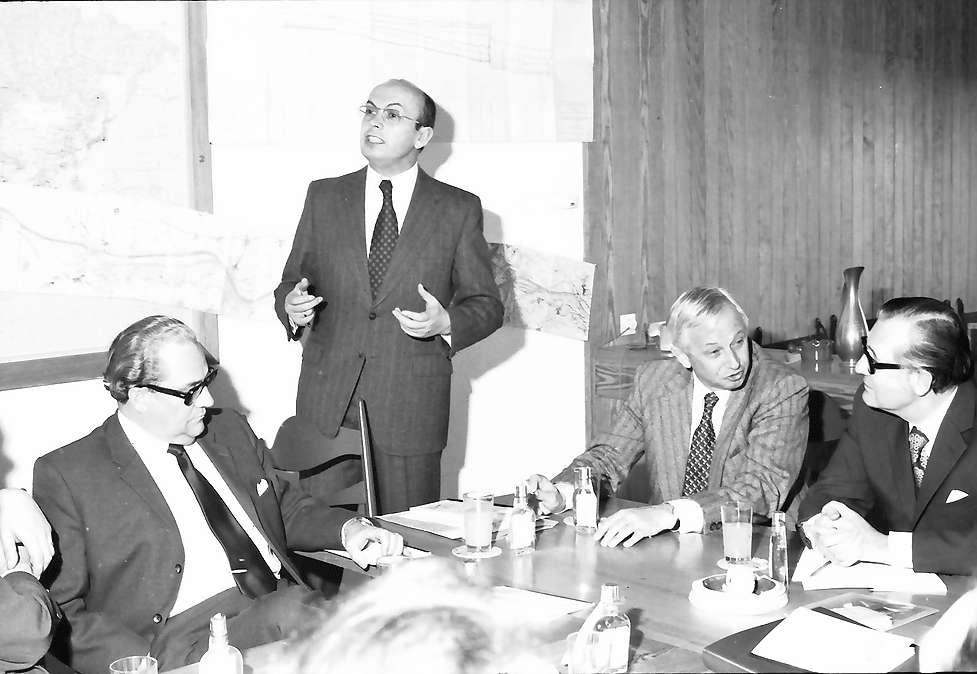 Kehl: Hafensiloturm; Regionalverband Südlicher Oberrhein, Pressefahrt mit Minister Eduard Adorno; Pressekonferenz im Hafen, Bild 1