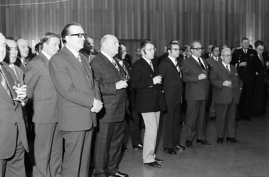 Bad Krozingen: Regionalverband Südlicher Oberrhein, Pressefahrt mit Minister Eduard Adorno; große Gruppe, Bild 1