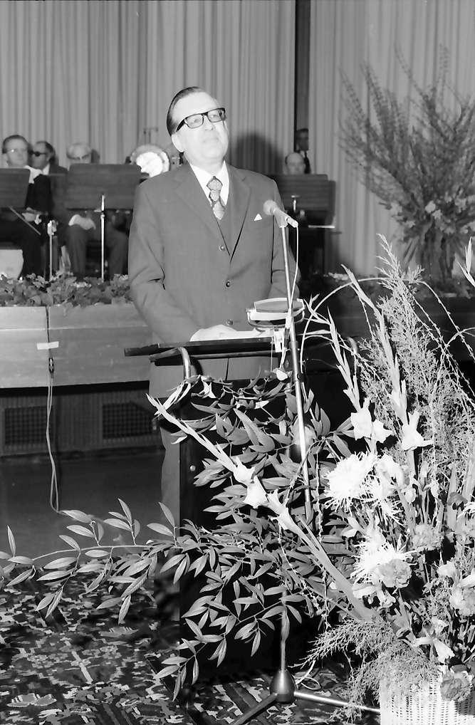 Bad Krozingen: Regionalverband Südlicher Oberrhein, Pressefahrt mit Minister Eduard Adorno; Ansprache Minister Adorno, Bild 1