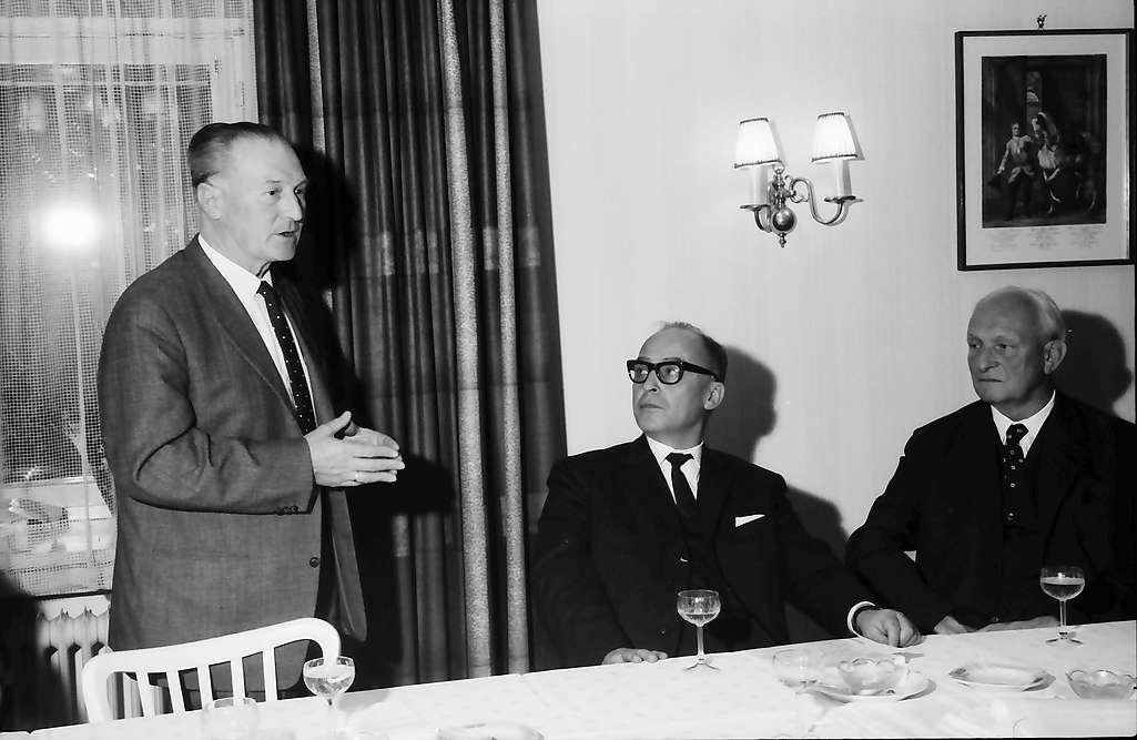 Bellingen: Pressekonferenz mit Wirtschaftsminister Leuze; Bürgermeister von Bellingen, Minister Leuze, Bild 1